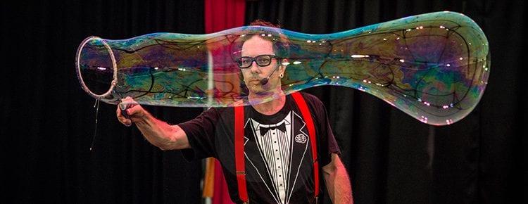 dr-hubble-bubble-show Image